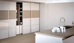 cuisine avec porte coulissante meuble de cuisine avec porte coulissante merveilleux meuble