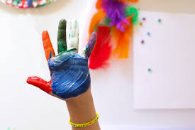 7 benefits of finger painting fun with mama