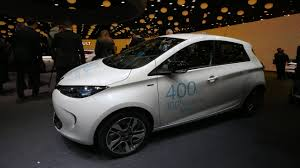 renault zoe engine renault zoe ze 40 plugs into paris with 250 mile range