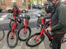 This Folding E Bike Wants by Trek U0027s Super Commuter 8s Ebike Wants To Be A Car Replacement And