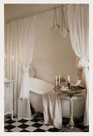 tende vasca bagno dedicato a chi ama sognare la vasca vintage di arredamento