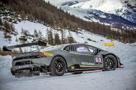 Lamborghini Huracan Lp620 2 Super Trofeo - driving huracán and aventador lamborghinis on snow at the winter