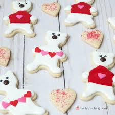 sweater cookies polar cookies pinching
