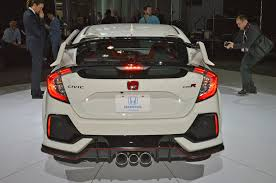 honda civic 2017 type r 2017 honda civic type r featured in new ad motor trend canada