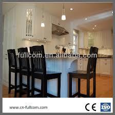 peinture d armoire de cuisine peinture blanche shaker porte d armoires de cuisine en bois massif