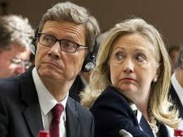 "Hillary Clinton advierte a Rusia y China: ""SI BLOQUEIS NUESTRA NUEVA GUERRA, HABRA REPRESARIAS"" Images?q=tbn:ANd9GcR_MtMifP25XlDT_q8FTqRHS2nSVz2bPHPIVnizp9Em-9fcaP2b"