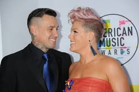 carey hart hair pink and carey hart at the 2017 american music awards popsugar