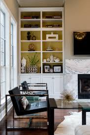 5 tips for how to arrange a bookshelf moss manor how to arrange a bookshelf
