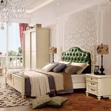 chambre a coucher avec coiffeuse chambre à coucher complète style royale chambre à