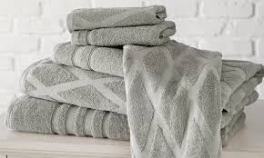 How To Wash Your Duvet 6 Steps To Sanitize Your Bath Towels Overstock Com