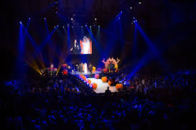 concerts organization agency laura pausini halloween party