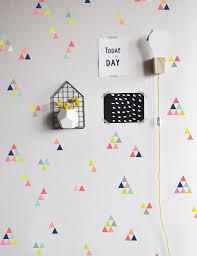 extra tiny triangles colorful wall decal טפטים ושבלונות לקיר