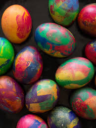 how to color easter eggs painterly dyed easter eggs spoon fork bacon