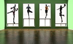 empty room gallery blinds