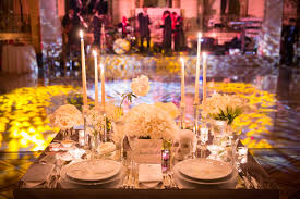 romantic décor options for your wedding sweetheart table inside