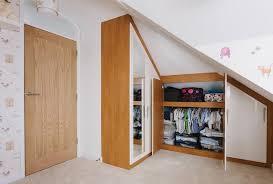 chambre enfant sur mesure design interieur placard sous pente sur mesure rangement chambre