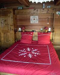 chambre a coucher avec pont de lit aménagements de chambre à coucher