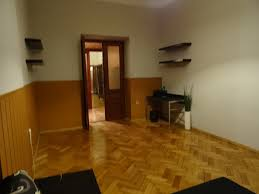 King Of Floors Laminate Flooring Big Room In The Heart Of Cracow Old Town Live Like A King