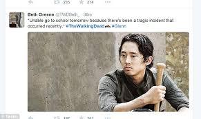 Glenn Walking Dead Meme - walking dead fans react to glenn s death on twitter with shock