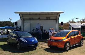 nissan leaf sv vs sl chevy bolt ev 107 mile nissan leaf face off at la drive electric