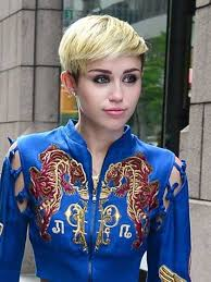 miley cyrus type haircuts 25 best short celebrity hairstyles for 2013 2014 miley cyrus