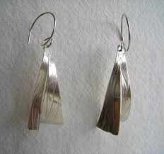 contemporary scottish jewellery designers silver jewellery designed by robyn kinsman a