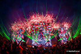 eye candy 40 photos of beautiful edm festival stage designs