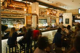 bar restaurant u0026 function venue in brisbane the regatta hotel