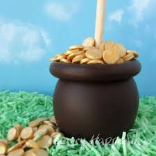 pot of gold caramel apples st patrick u0027s day treats