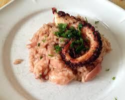 cuisiner le poulpe recettes poulpe à la gallega sur risotto au poulpe recette très poulp euse