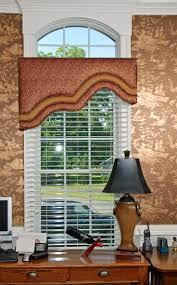 Cornice Valance Window Treatments 1167 Best Well Dressed Windows Images On Pinterest Curtains