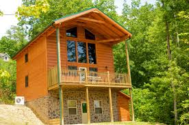 cabin with swimming pool in smoky mountains near pigeon forge and