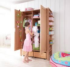 armoire pour chambre enfant armoire pour enfants 2 portes matti haba secret de chambre