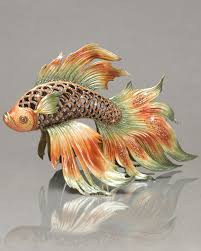 decor strongwater with beauiful fish ornamnent and