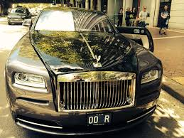 velvet rolls royce 10 amazing features on the 735 000 rolls royce wraith that u0027s just