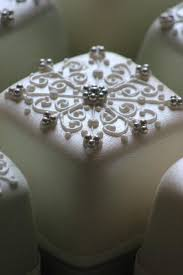 Christmas Cake Decorations Silver by 706 Best Christmas Cakes Images On Pinterest Christmas Cakes