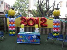balloon photo frame for graduation event with mascot made from