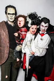 Pregnant Family Halloween Costumes Neil Patrick Harris And His Family In Halloween Costumes