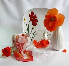 Vase With Red Poppies 10 Ways To Add Red Poppy Flowers To Dining Room Decorating