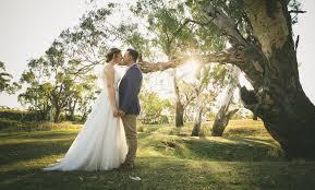 wedding flowers toowoomba rustic barn wedding toowoomba mitchell j carlin gold coast
