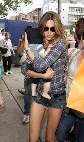Gisele Bundchen Talks Pregnancy And Breastfeeding 150 Best M O D E L M U M S Images On Pinterest Celebrities