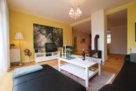 Wohnzimmer Schwedisch Die Wohnexpertin Curry Bringt Sonne Und Gute Laune Ins Zuhause