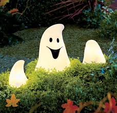 Outdoor Halloween Decorating Ideas by Lighting Outdoor Halloween Decorations 18 Appealing Outdoor