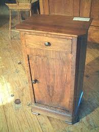 le de chevet ancienne table de nuit ancienne en noyer philipparde antiquites brocante