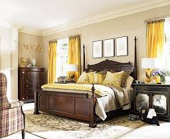 Yellow Accent Wall Brown And Yellow Bedroom Descargas Mundiales Com