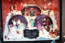 Christmas Window Decorations In Nyc by Maryland Pink And Green 5th Avenue Christmas Window Shopping