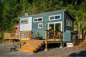 vacation in a tiny house new company brings luxury tiny house rental experience to chattanooga