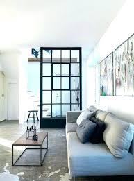 canap avec gros coussins canape avec gros coussins photo de canapac gris clair aux dans salon