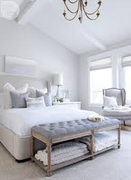 Mirror As A Headboard Love The Headboard Bench As Footboard And Use Of Rug To Anchor