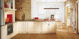 cuisine rustique blanche cuisine rustique repeinte inspirations avec charmant cuisine